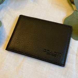 NWOT Coach Leather Card Holder